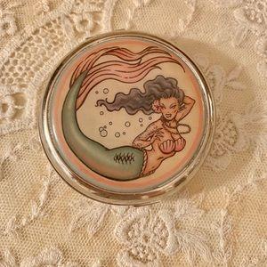 Retro clamshell mermaid pocket mirror